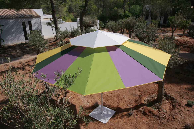 Parasol-Primus-Caravita-con-disenos-creativos-Mary-go-round-min