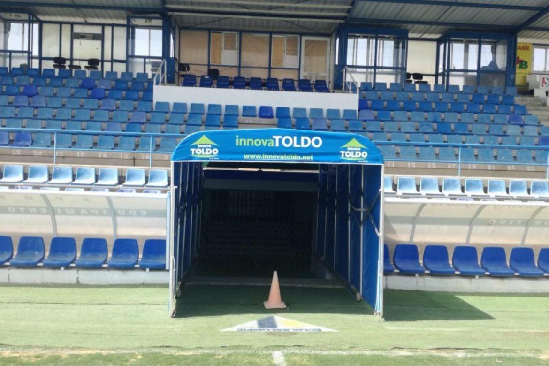 Túnel para campo de fútbol
