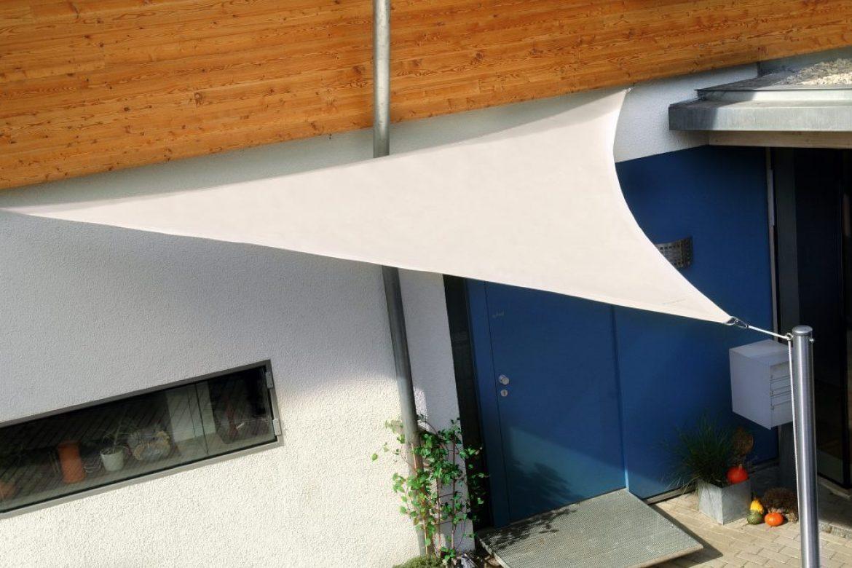 vela-tensada-home-comfort-triangulo-blanco-con-mastiles-en-acero-inox-02