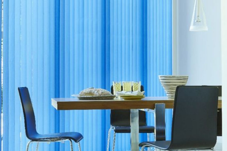 cortinas verticales azules combinadas-hillarys.co.uk